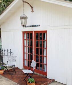 Płaska droga do wejścia
