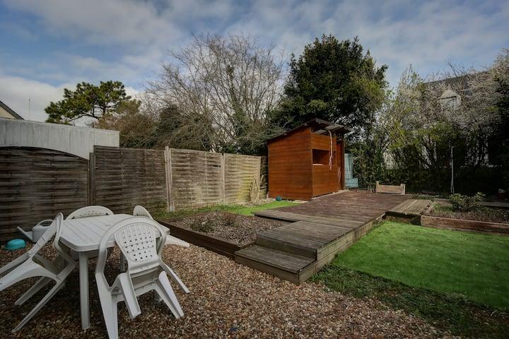 Maison confortable avec grand jardin et 3 chambres