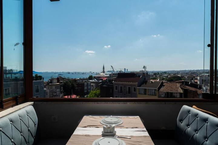 TRP FAMILY ROOM WITH TERRACE ISTANBUL SEA VIEW
