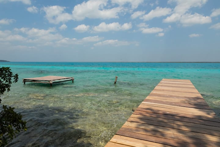 Pucté Bacalar / ••• Ox / Lagoon front / AC