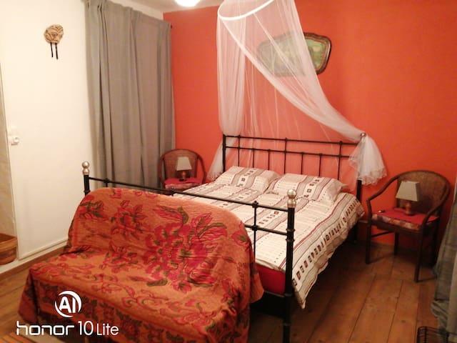 Chambre n°3 -Lit 160 x 200