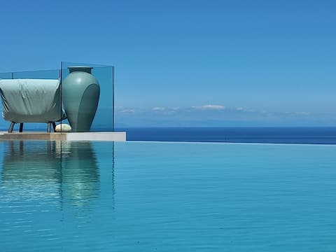 Contemporary villa with amazing view
