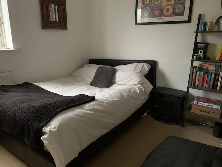 Spacious double bedroom in the heart of Woodstock