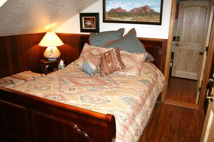 Sunrise Suite in Red Horse Vineyard B&B