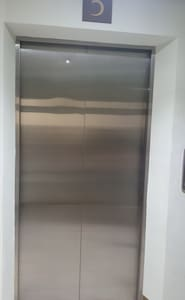 Elevator to use to go to the unit