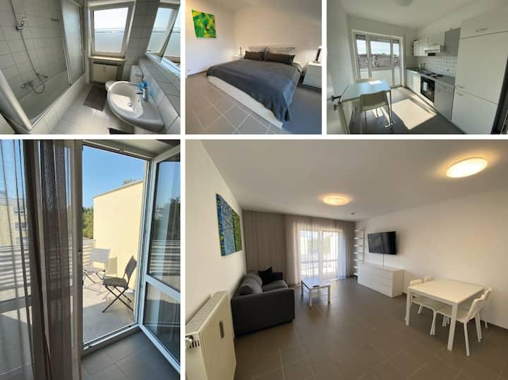 2 Zimmer Wohnung + Balkon Nähe Audi/Innenstadt W32