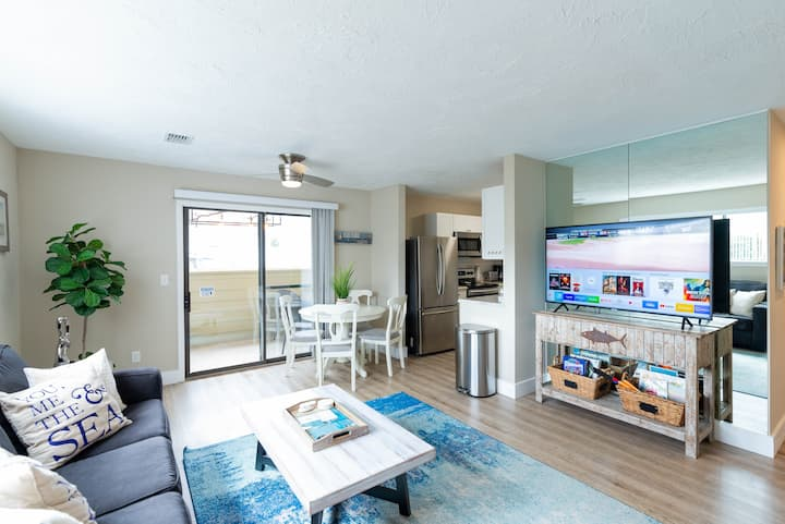 Miramar Beach Condo. Walking distance to the beach