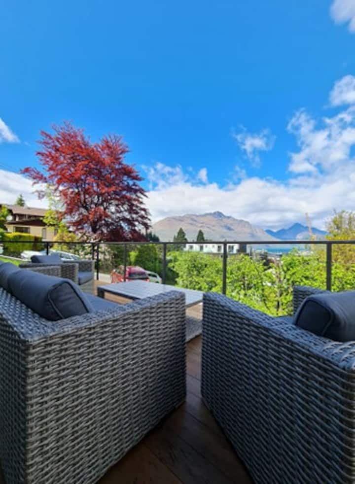 BEST Location in QUEENSTOWN Family Home