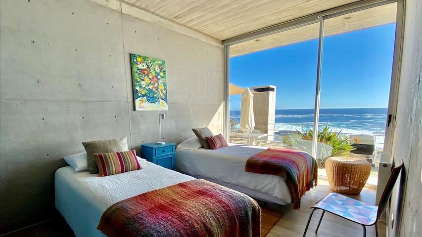 Pieza 3 (2 camas que pueden unir) / Bedroom 3 (2 beds that can be united)