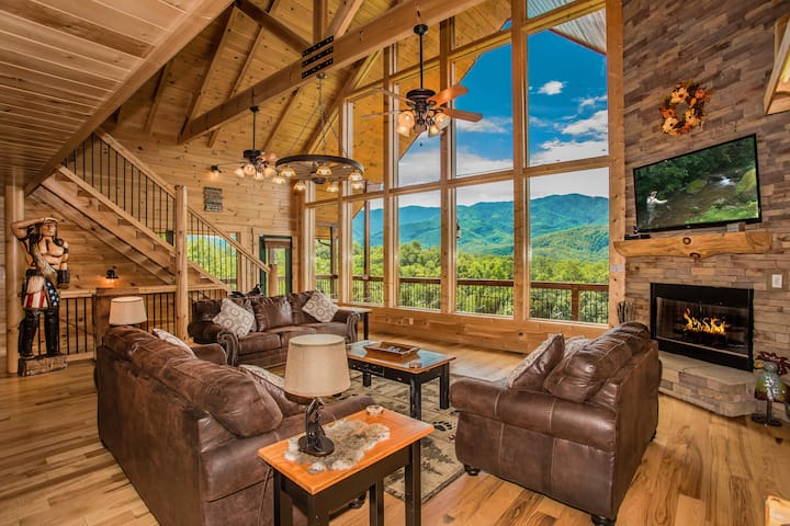 Cloud Dancer 4400sf AMAZING Views Hot Tub Theater