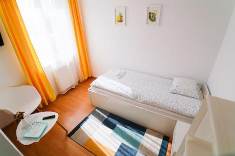 Cozy single room next to hospital&spa