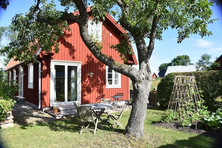 Annies Hus, Mörby
