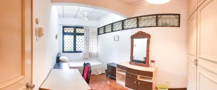 Private Room, 500 Mbps Wifi, Friendly Housemates