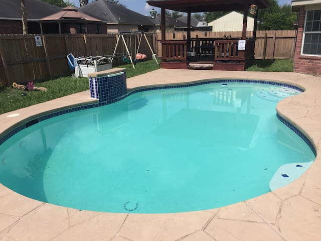 Great location, Private Swimming Pool, Comfortable