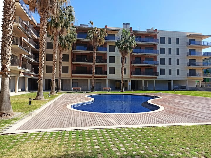 Encantador apartamento, WIFI,  parking, 50 m playa