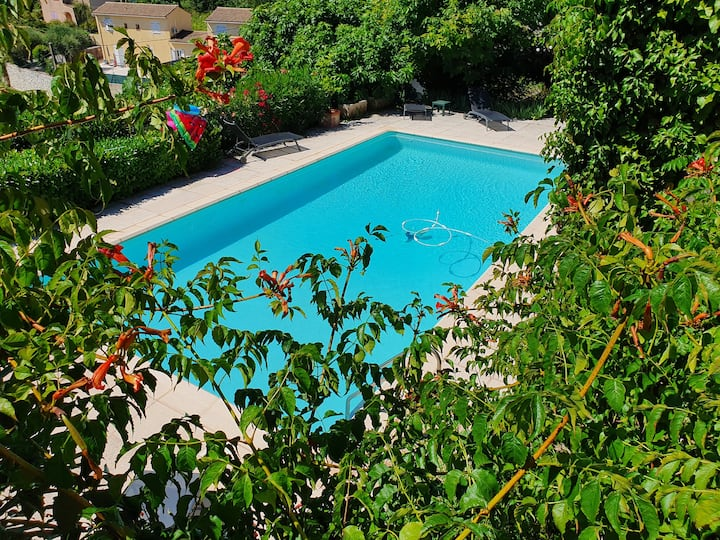 Villa 3 chambres avec climatisation et piscine
