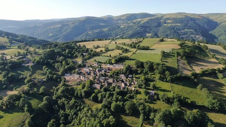 Les Terrasses, Gîtelebez, Aveyron, Lot, Aubrac