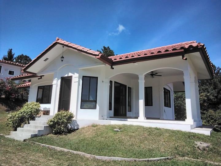 Casa con excelente clima y vistas espectaculares