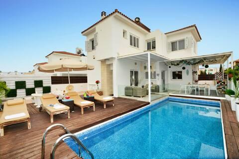 SunnyVillas: 3BR Villa☆Private Pool near the Beach