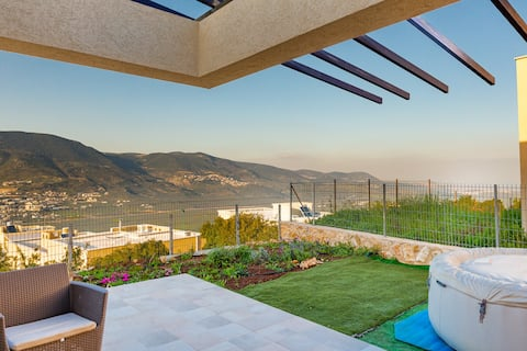 Galilee view villa on a cliff – Hot tub– sea view