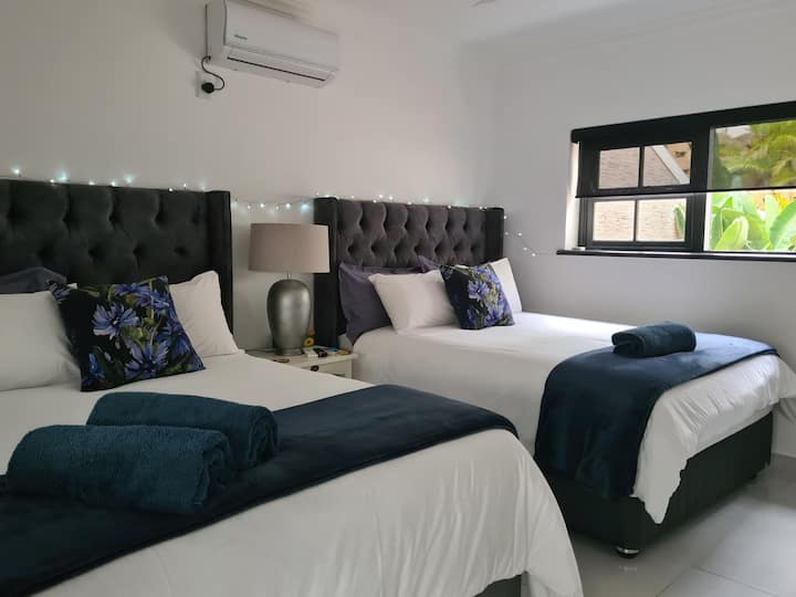 Ballito Self Catering Double Room Awesome sea view