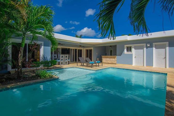 Private 3 Bed Cozy Sosua Villa with Pool/Hot-Tub