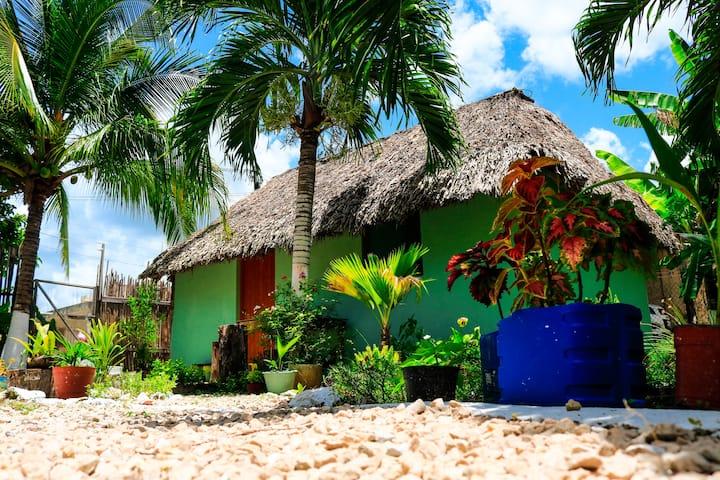 Clásica Cabañita Maya cerca del lago, WiFi