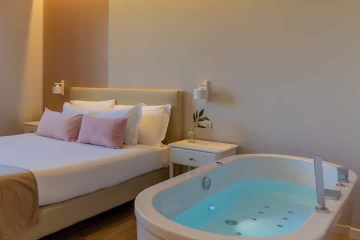 Rota Apartments - bilocale con jacuzzi Farfalla