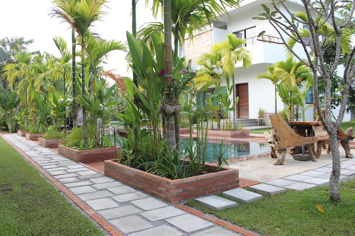 Big Villa 2 bedrooms, huge lobby, Best for Family