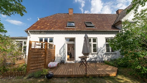Cozy flat in old school, 2-6 pers. with terrasse