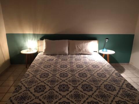 Quarto inteiro com cama de casal olinda