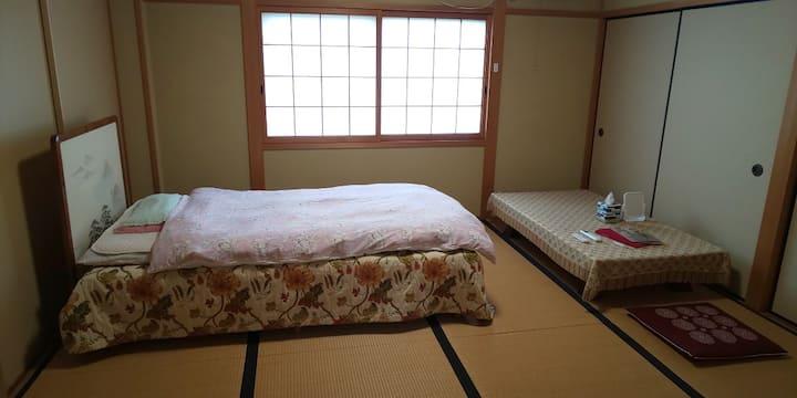 和風ゲストハウス+仏教寺院&カフェ:和室8畳シングル
