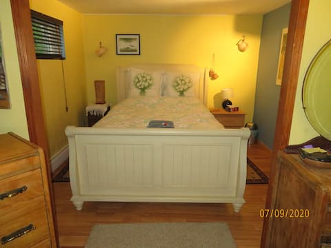 Double room between the city and the Laurentians