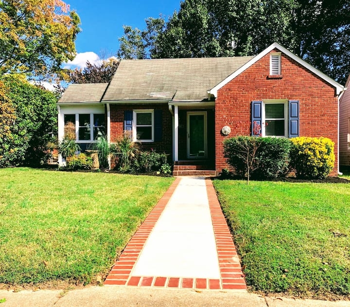 Clean & Charming Home Steps from Carytown!