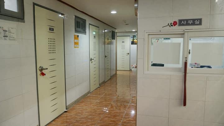 韓国新村站女性専用 409 alicehouse