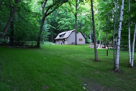 Barn In The Woods Lodge ~EAA still some dates open