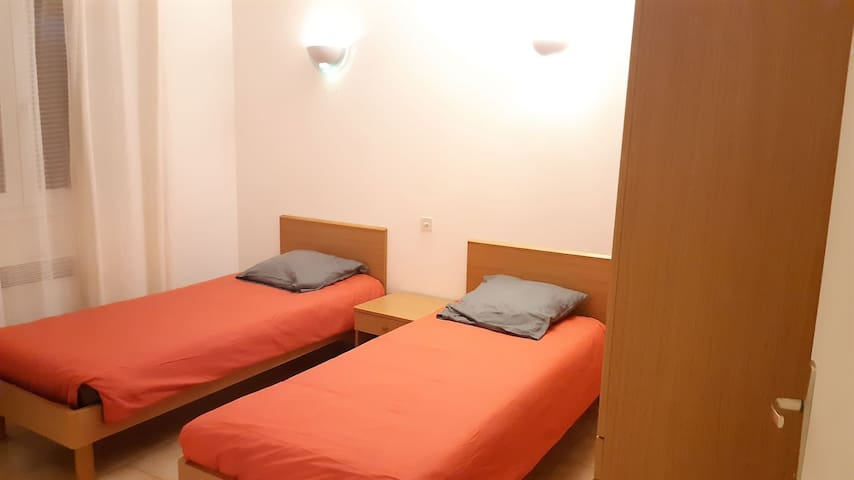 Chambre 2, 2 lits simples