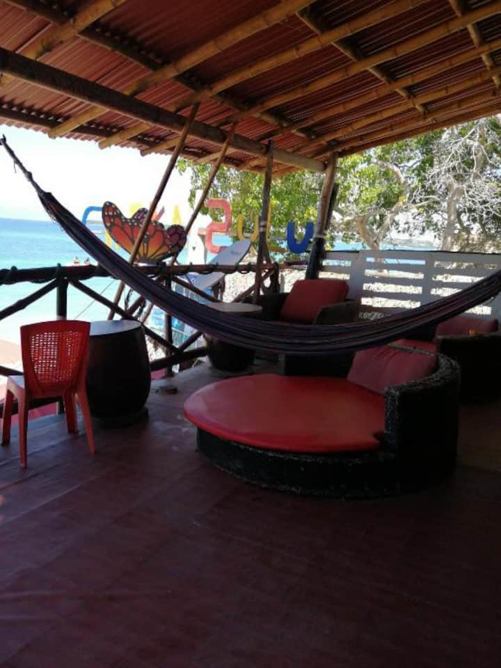 hostal zulú habitación privada en frente del mar