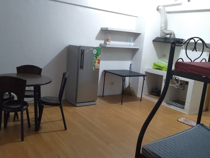 Spacious room for Stay in Sta Ana Manila/Makati
