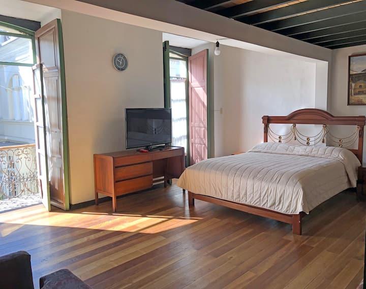 Hostal Latina Habitación Familiar 300