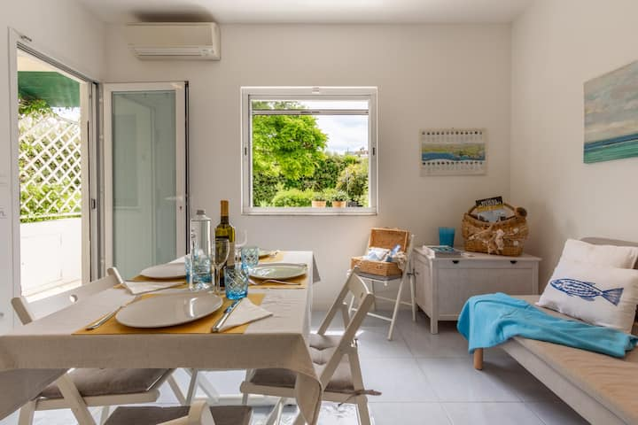 Azur Exclusive Townhouse with Private Beach + Pool