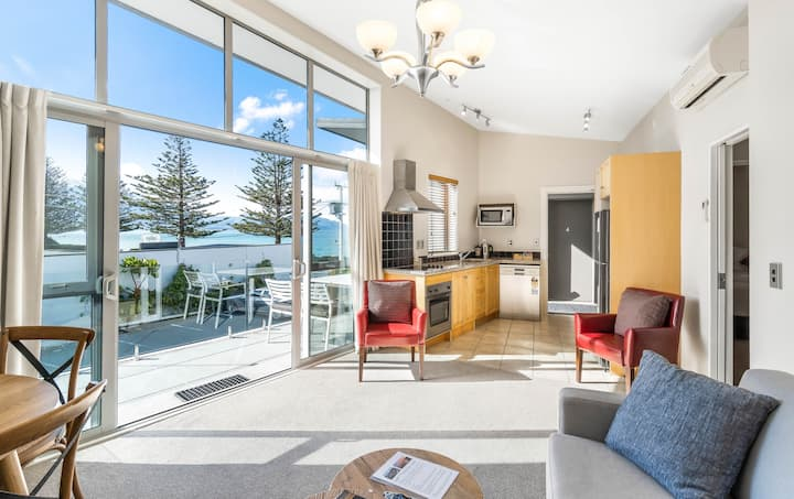 Kaikoura Waterfront 2 Bedroom Apartment