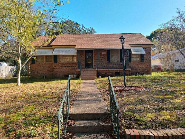 Historic home minutes from downtown Mobile