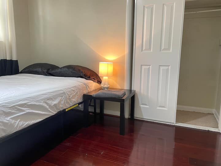 Small cozy private room Tampa