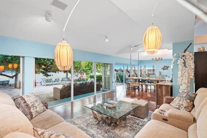 Blue Ocean-Front Private Beach Villa, Pool Jacuzzi