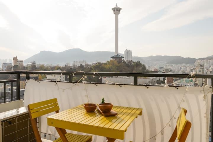 """""""귀여운 테라스 H☺︎use"""" Amazing view in #남포동 [ Free 넷플릭스]"""