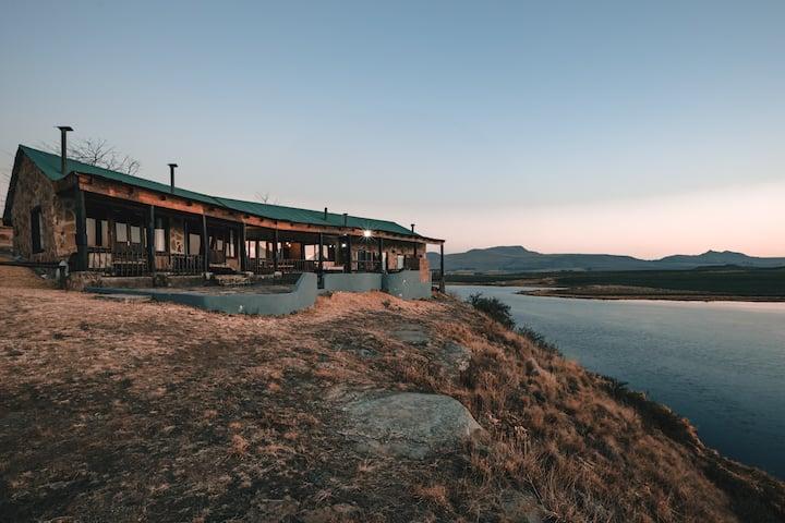Penwarn Farm Lodge - Mthini Lodge
