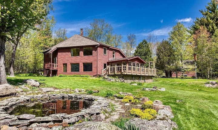 Hardy Rd Adventure House-50acres & private trails!