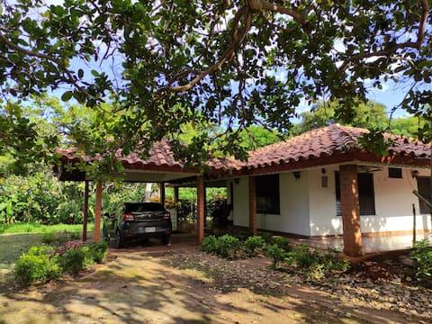 Country House Like in the City / La Casita