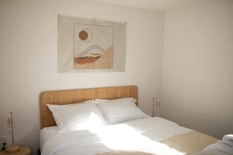 Bright, light European design guesthouse fast WIFI